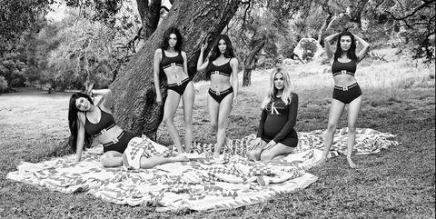 Photograph, Black-and-white, Monochrome photography, Monochrome, Photography, Tree, Fun, Recreation, Adaptation, Picnic,