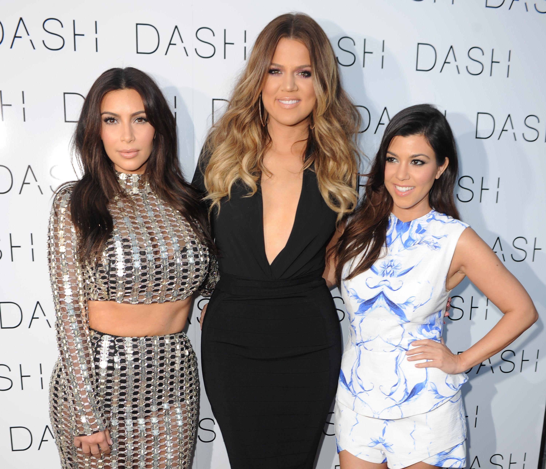 PAM: Kim khloe kourtney kardashian bikini