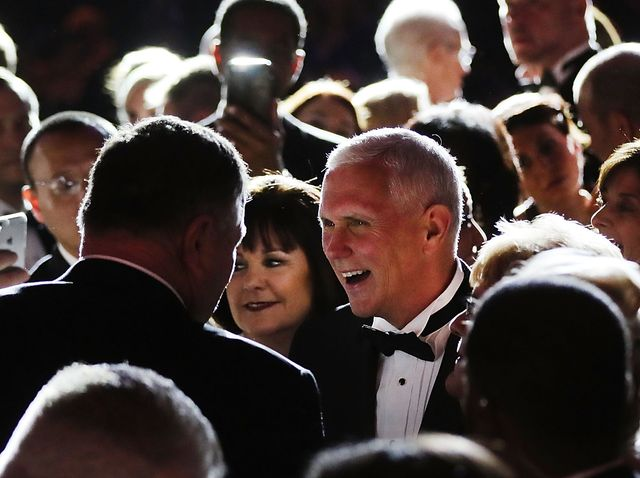 Who Is Mike Pence S Wife Karen Pence Facts About The Wife Of The Vice President