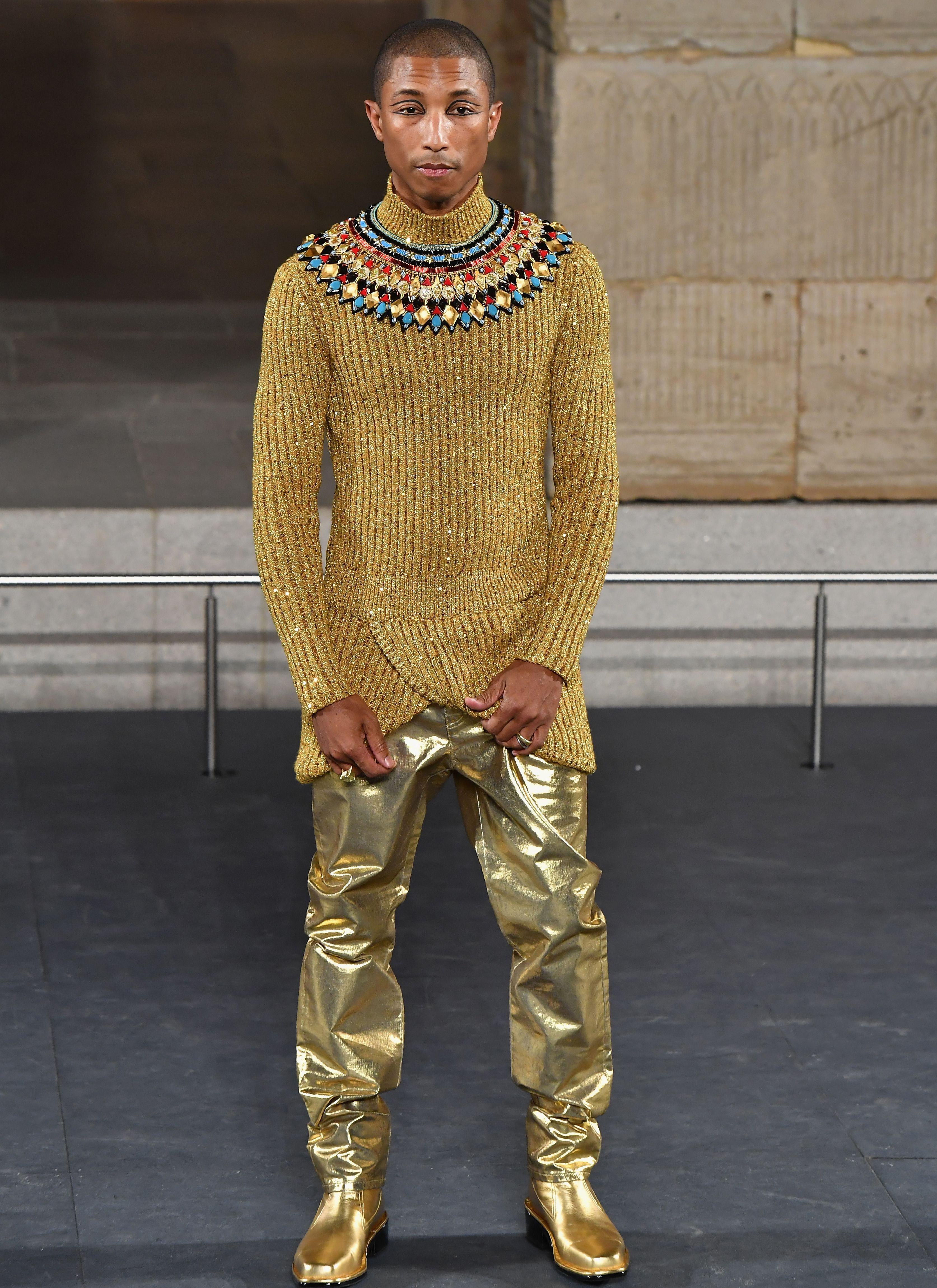 9d19aca8765f Quella volta che Karl Lagerfeld ha vestito Pharrell Williams da faraone