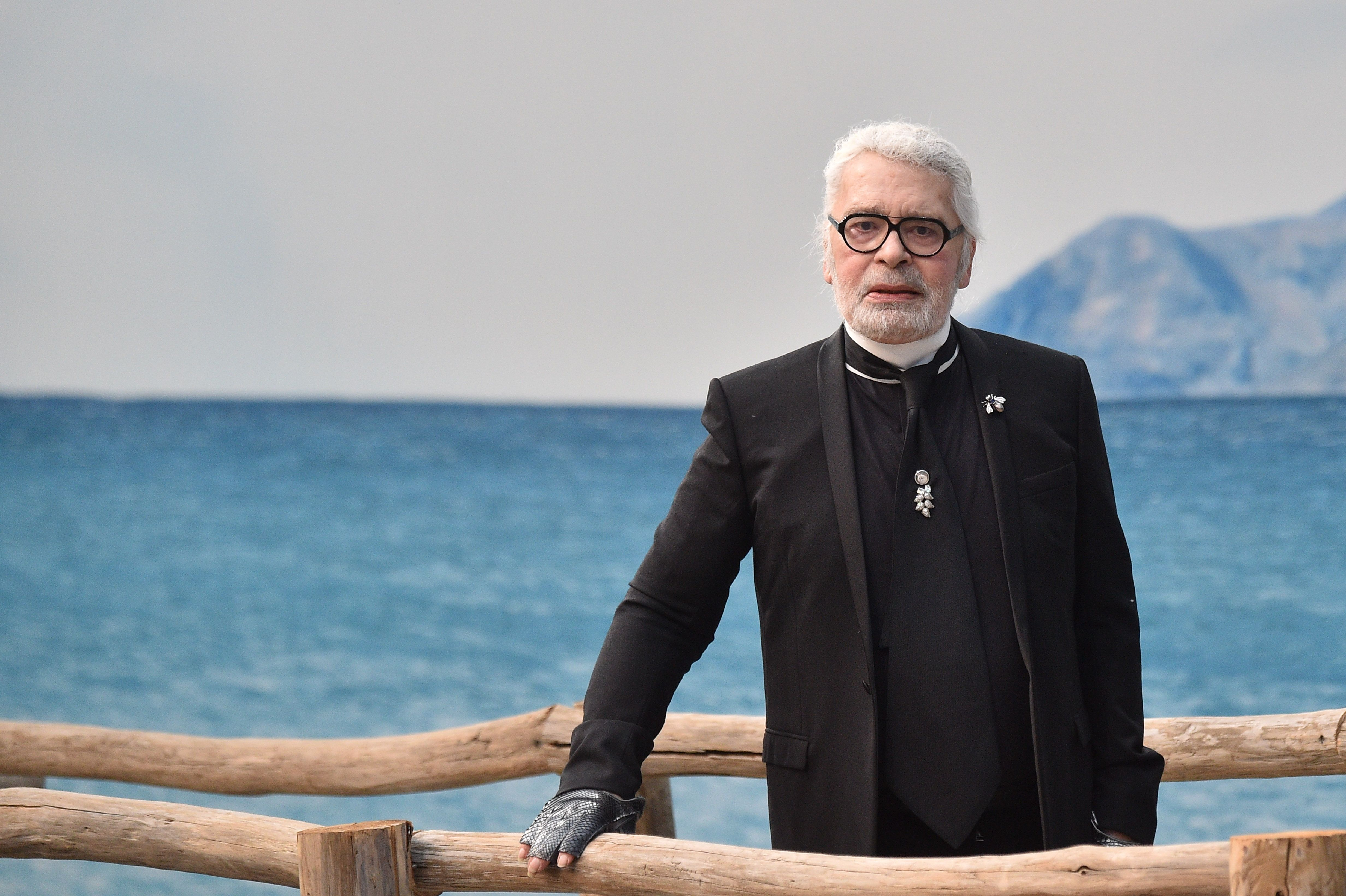 Karl Lagerfeld Obituary Fashion Designer Karl Lagerfeld Has Died