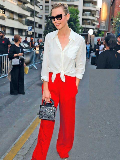 Moda color rojo Karlie Kloss