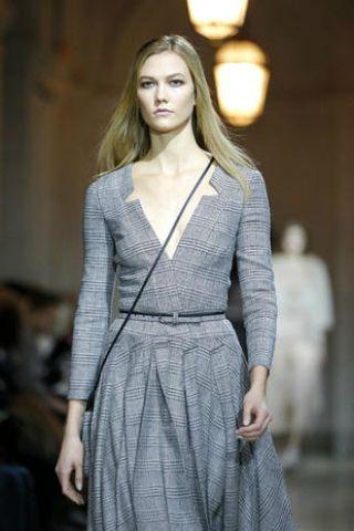 Clothing, Sleeve, Shoulder, Dress, Formal wear, Style, One-piece garment, Fashion model, Fashion show, Day dress,