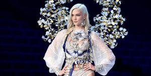 Karlie Kloss on the Victoria's Secret Fashion Show catwalk 2017