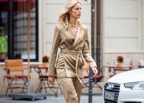 Street fashion, Automotive design, Car, Fashion, Vehicle, Audi, Eyewear, Executive car, Sunglasses, Fashion model,