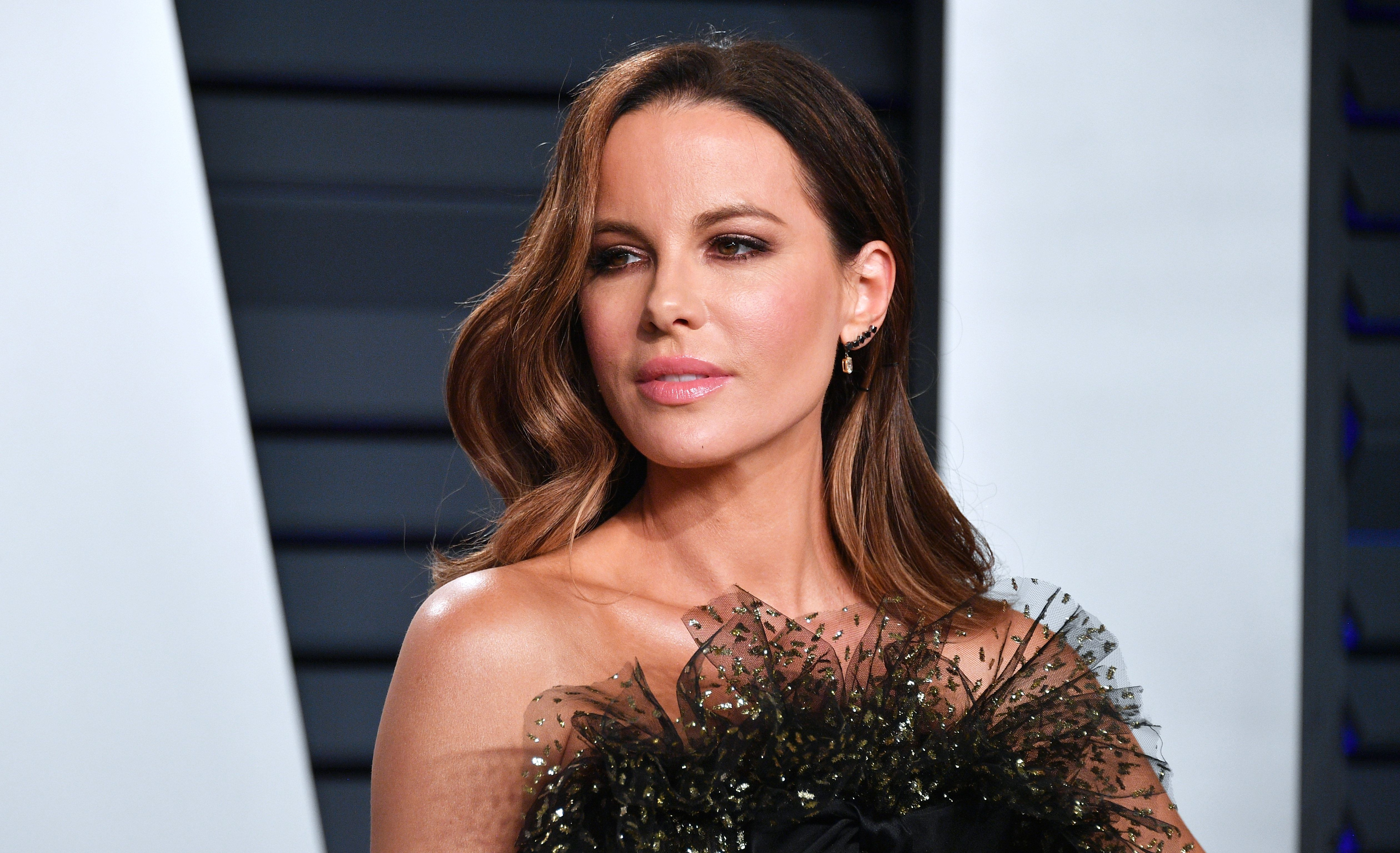 Kate Beckinsale Debuts Blonde Bob Haircut