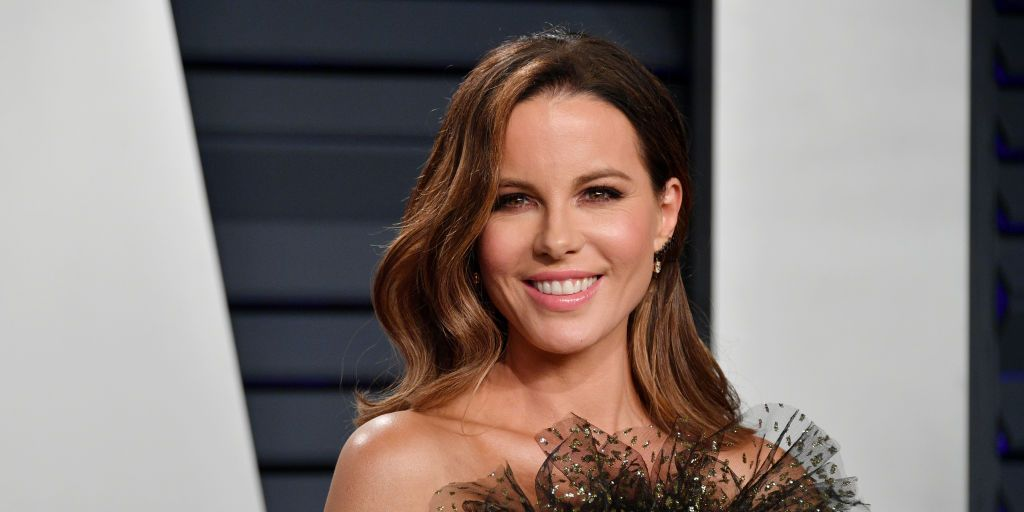 Kate Beckinsale Posts Amazing No-Makeup Selfie On Instagram