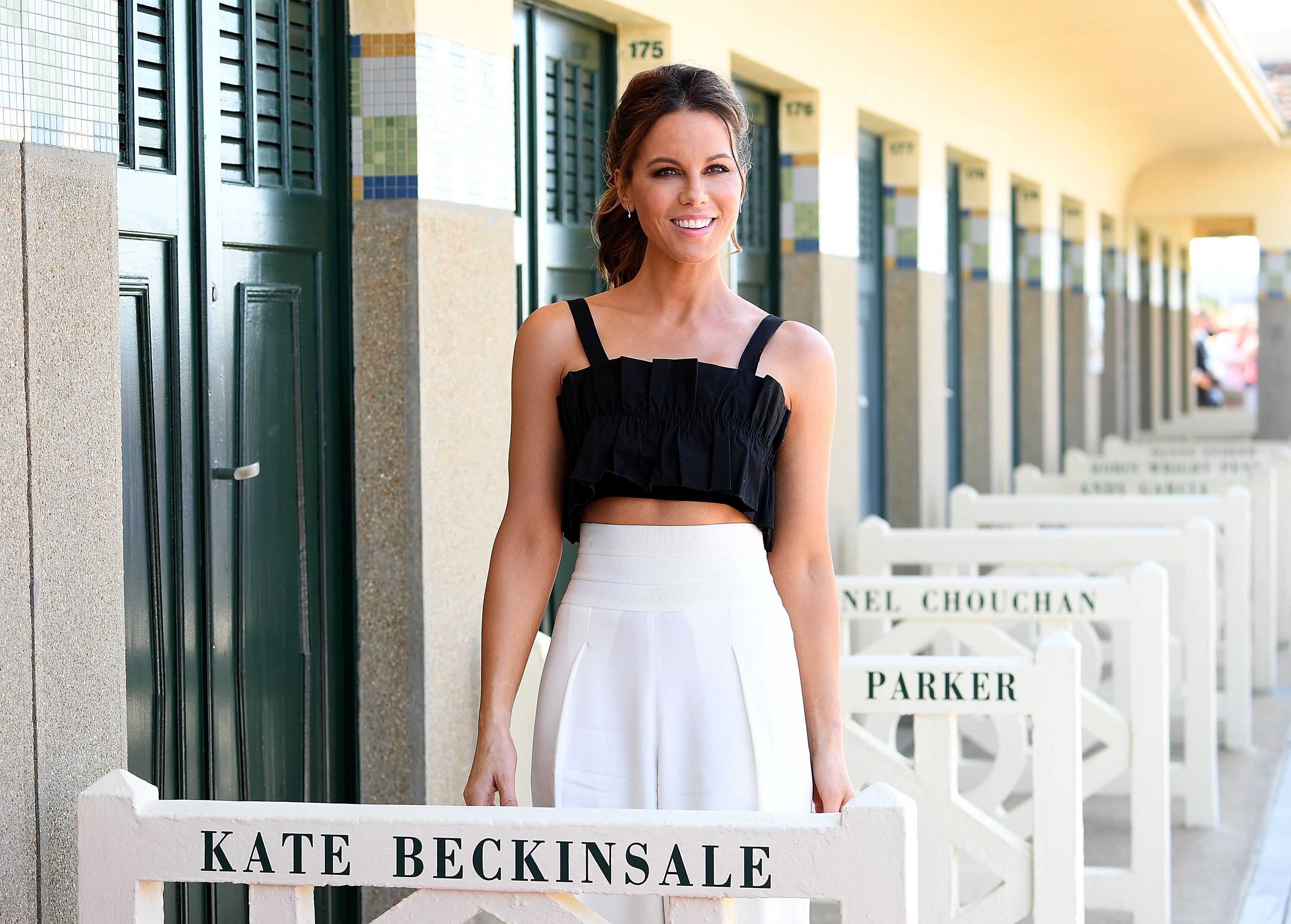 17645466b5d 8 Things Kate Beckinsale Does To Make 45 Look 25