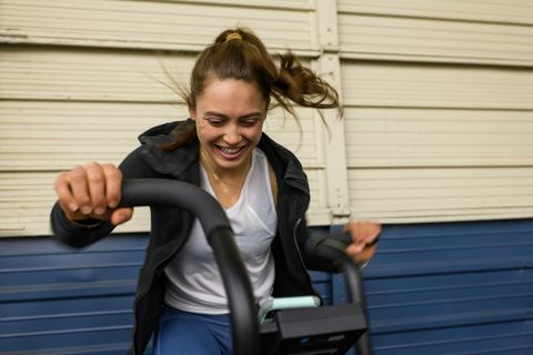 Kate Cortney works out a gym in Mountain View, CA in February 2019.