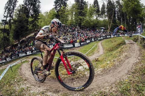 5cba784f32d Kate Courtney Wins First UCI Mountain Bike World Cup Race