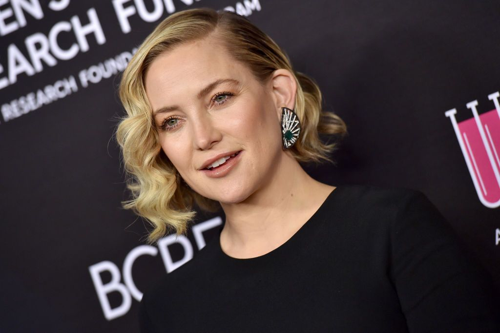 Kate Hudson Shows Off Abs In Workout Clothes From Her 'Fabletics' Line On Instagram