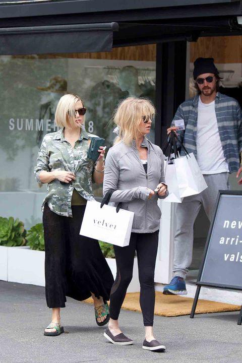 Kate Hudson y Danny Fujikawa, de compras