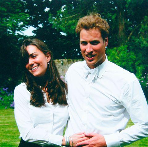 Kate Middleton y el príncipe Guillermo en la ceremonia de su graduación en la Universidad