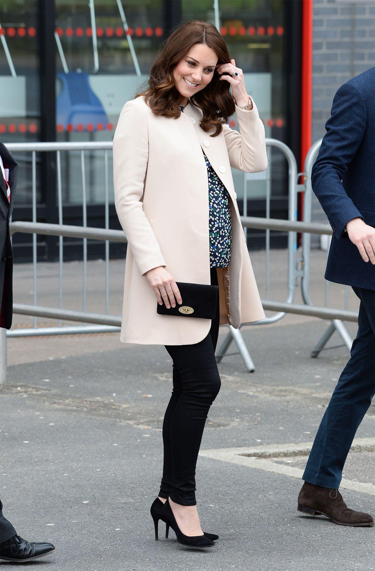 Kate Middleton vuelve a apostar por el blanco y negro La