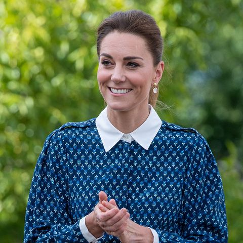 catherine, duchess of cambridge kate middleton wears a blue dress also worn by holly willoughby