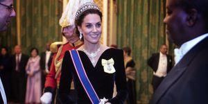 kate-middleton-alexander-mcqueen-jurk-tiara-prinses-diana-ode