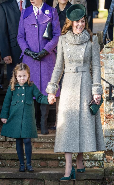 キャサリン妃 シャーロット王女 クリスマス ファッション ロイヤルファミリー