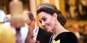 Kate Middleton bij de Diplomatic Corps-receptie in Buckingham Palace