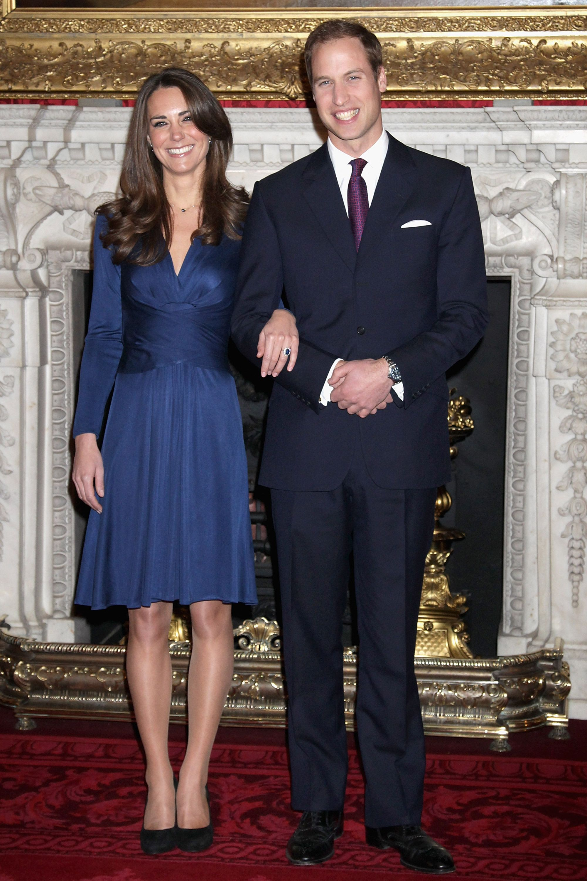 Kate Middletons Iconic Engagement Dress Is Now Super Affordable Kate Middletons Iconic Engagement Dress Is Now Super Affordable new foto