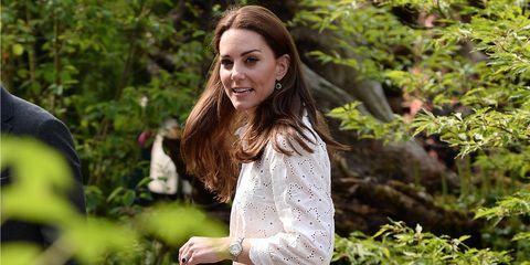 Royal family news: le nuove foto di Kate Middleton e William insieme ai figli