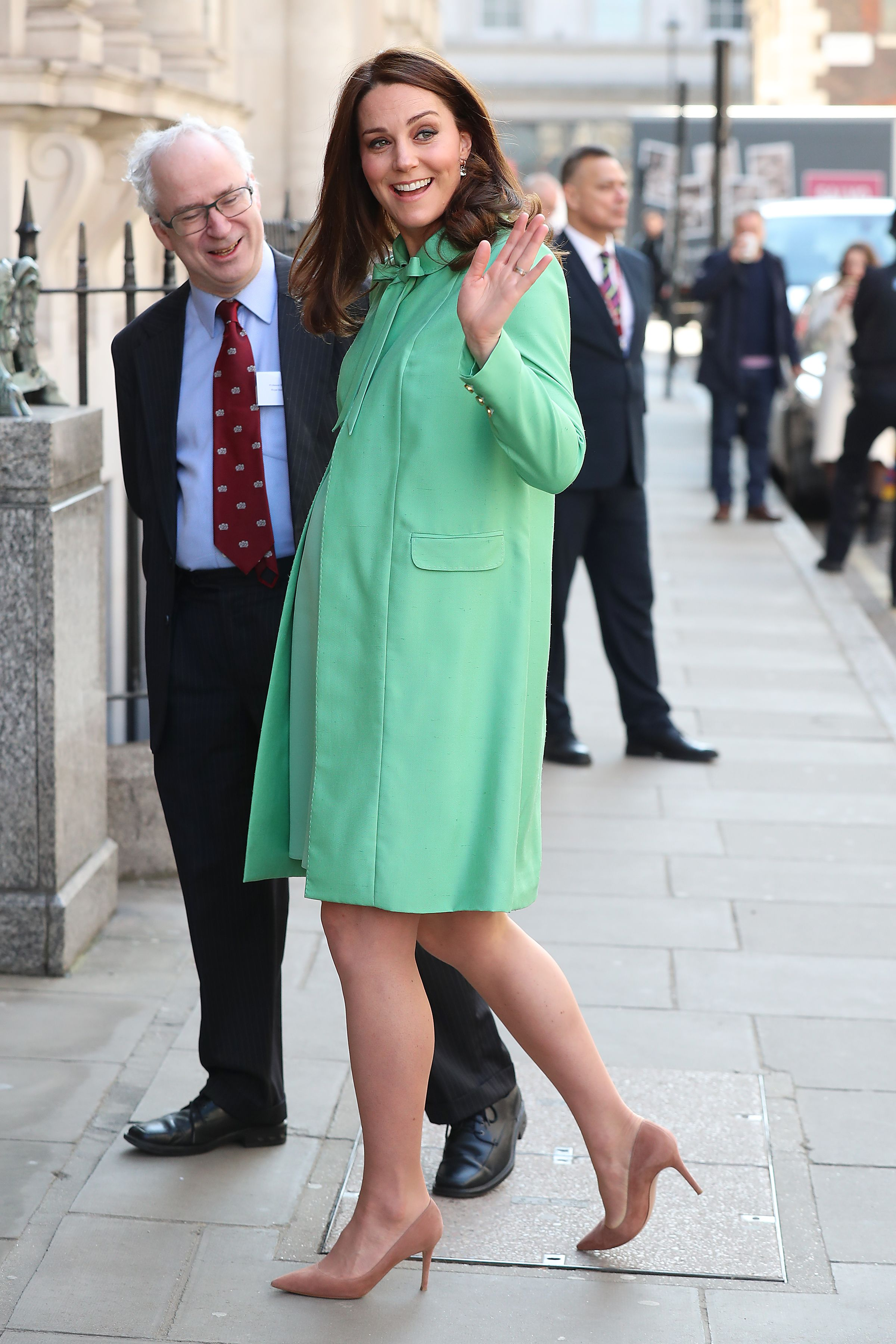 4b669095620f 50 Best Kate Middleton Pregnant Style Looks - Princess Kate Maternity  Fashion