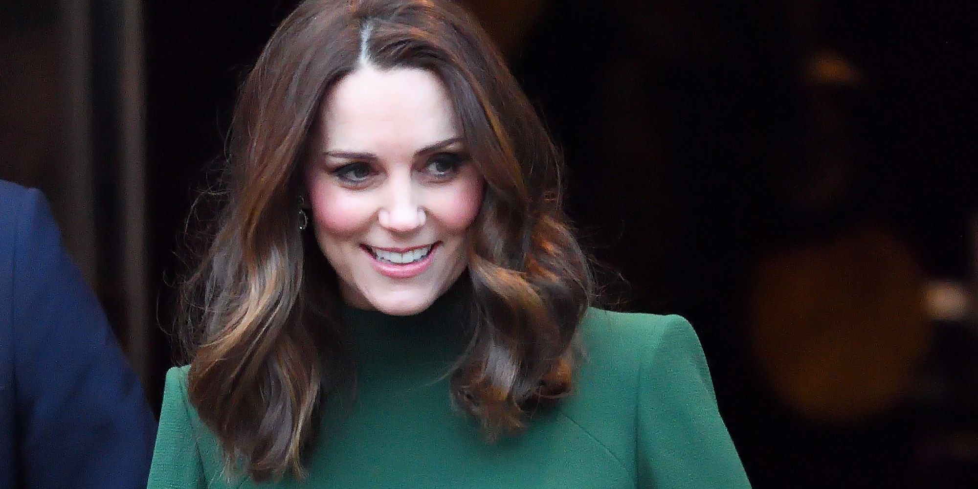 Watch Kate Middleton's Hairstylist Uses This Serum to Fake Gritty Hair for MessyUpdos video
