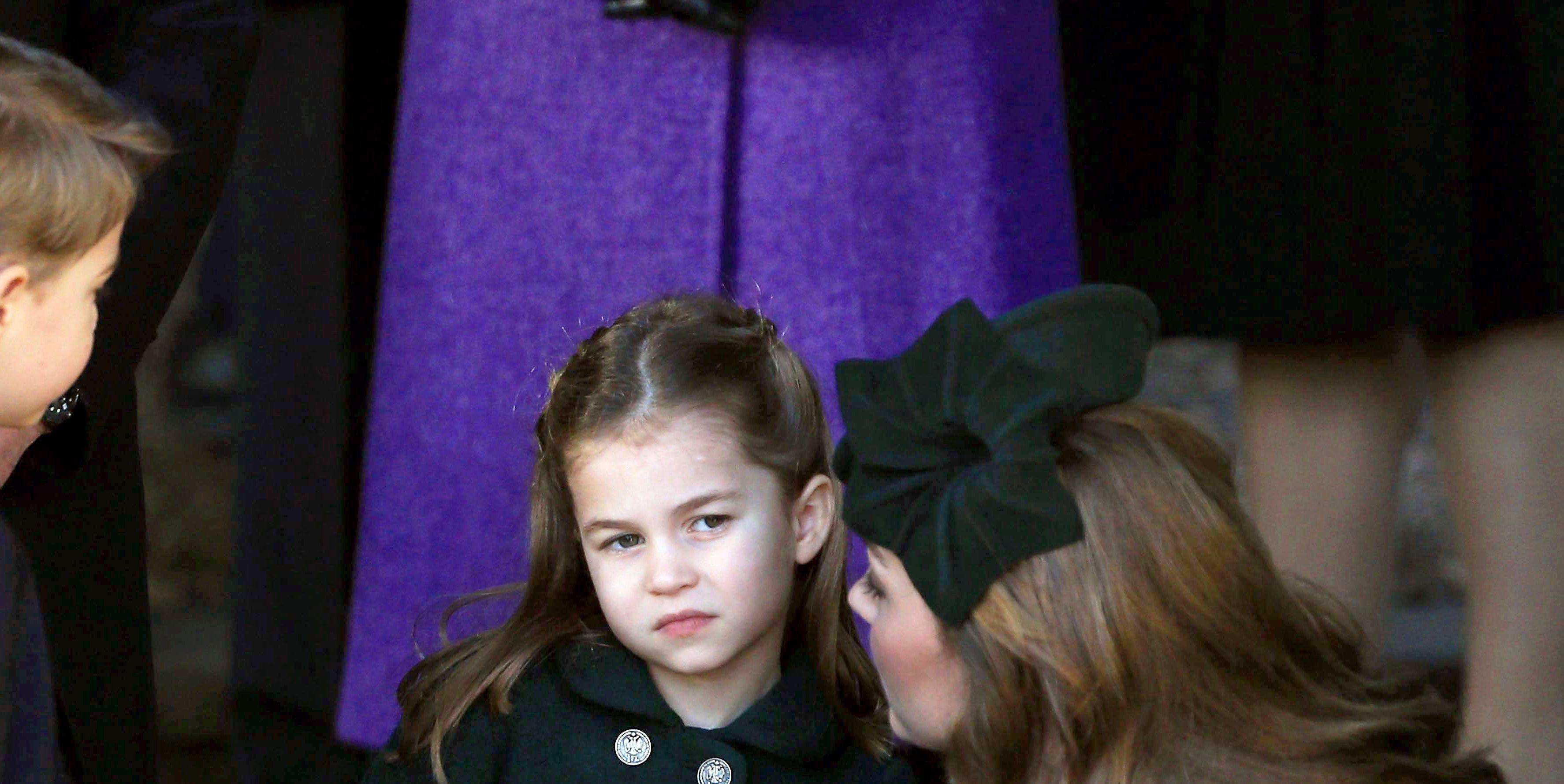 Warum Kate Middleton und Prince William angeblich ein Chat-Sofa mit George, Charlotte und Louis benutzen