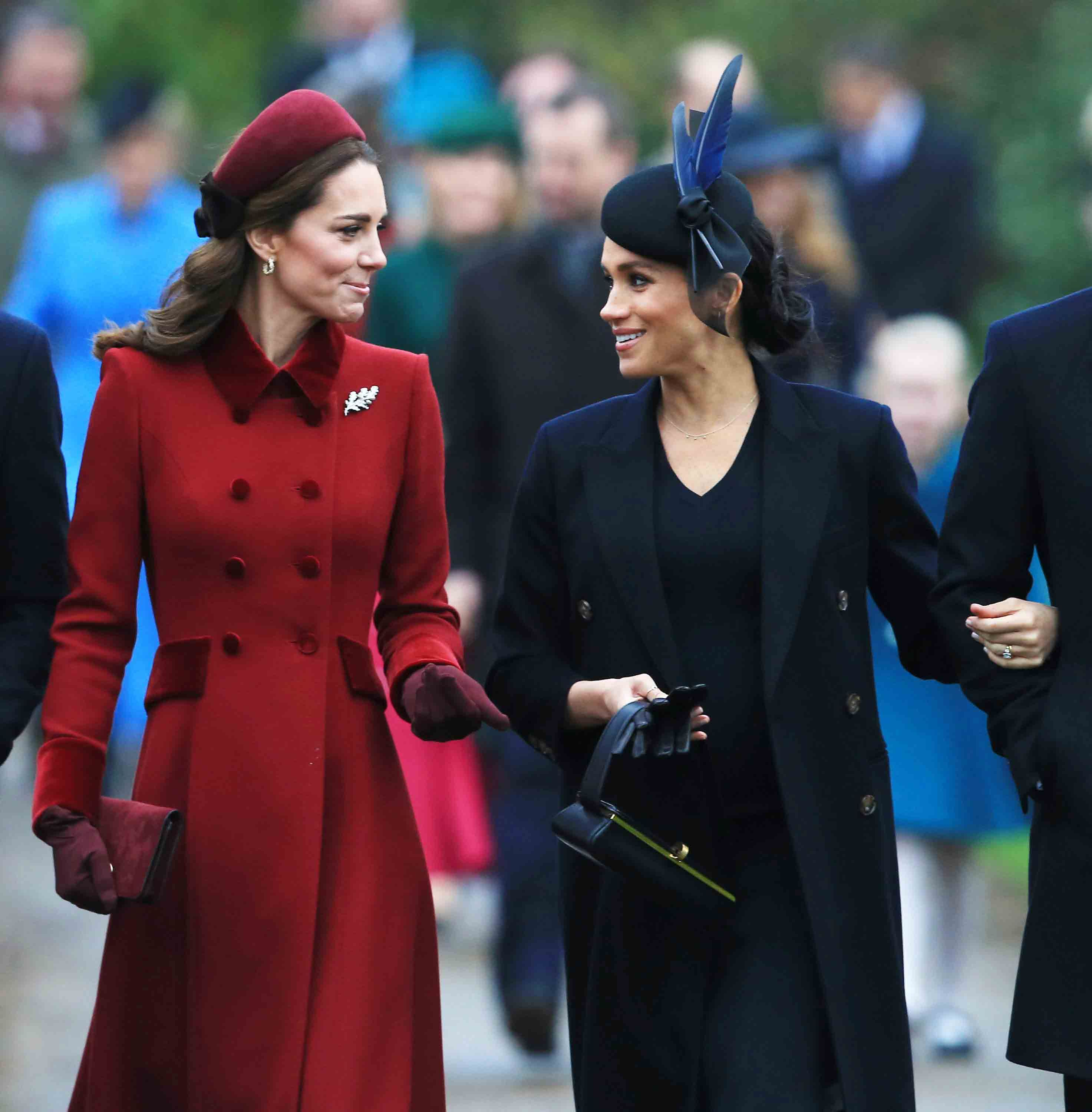 kate middleton and meghan markle reportedly bonded over scrabble on