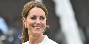Kate Middleton con look de Gul Ahmed en Pakistán