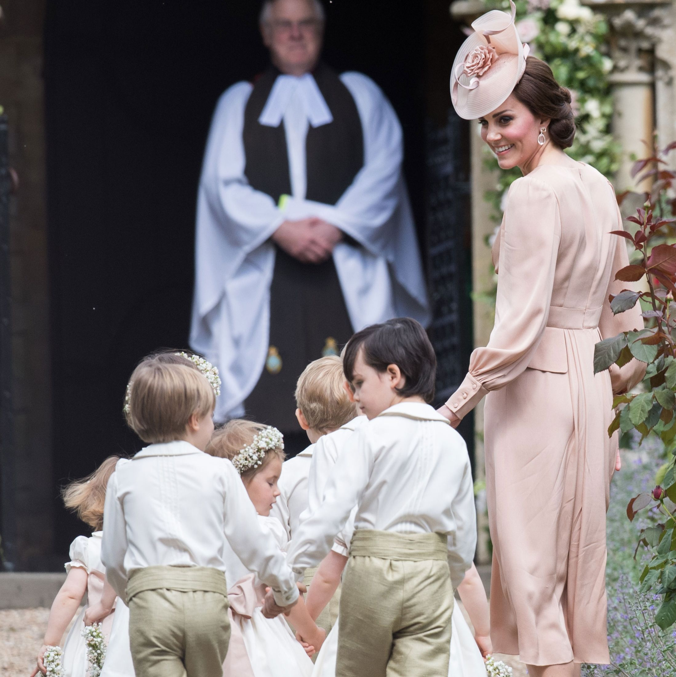 kate-middleton-pippa-wedding-guest-dress-outfit