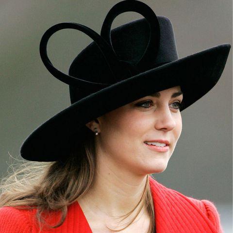 Clothing, Hat, Fedora, Fashion accessory, Fashion, Headgear, Costume hat, Bowler hat, Plant, Black hair,