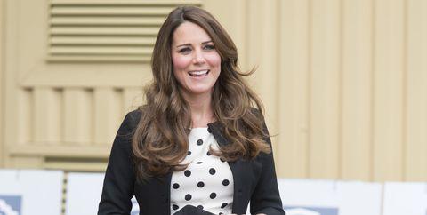 Kate Middleton pregnant short dress