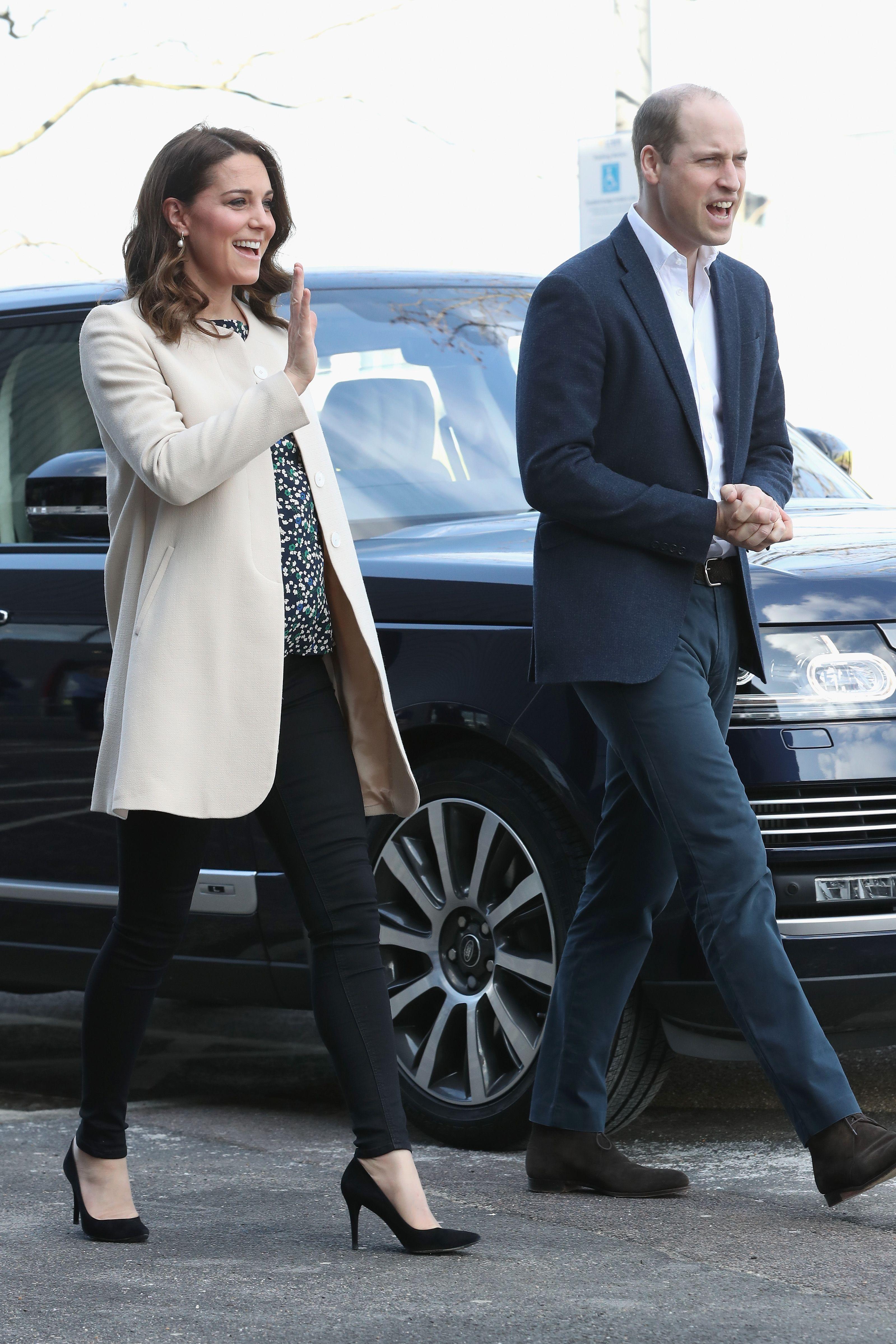 kate middleton wearing skinny jeans