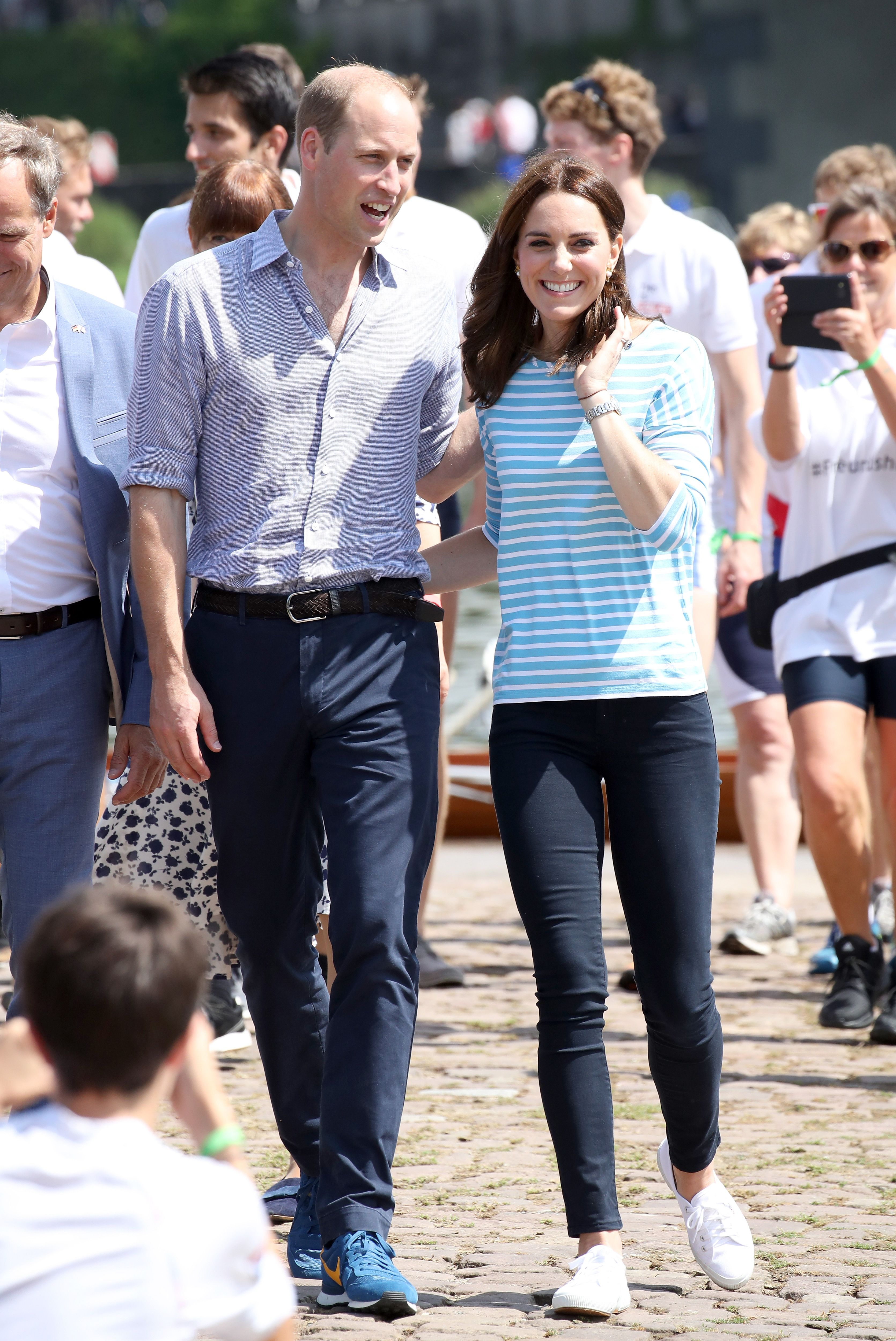 Kate Middleton \u0026 Meghan Markle Summer Outfits , Royal Style