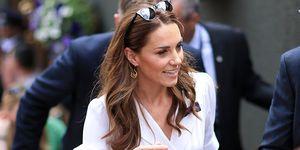 Kate Middleton con vestido blanco de Suzannah en Wimbledon 2019