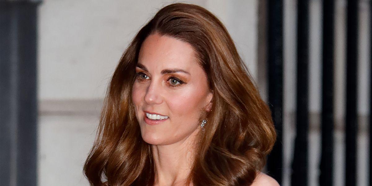 Kate Middleton looks stunning in white blazer dress for glamorous night out
