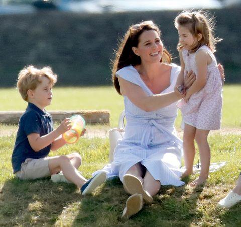 Kate Middleton Draagt Een Betaalbare Zara Jurk Die Je Zelf