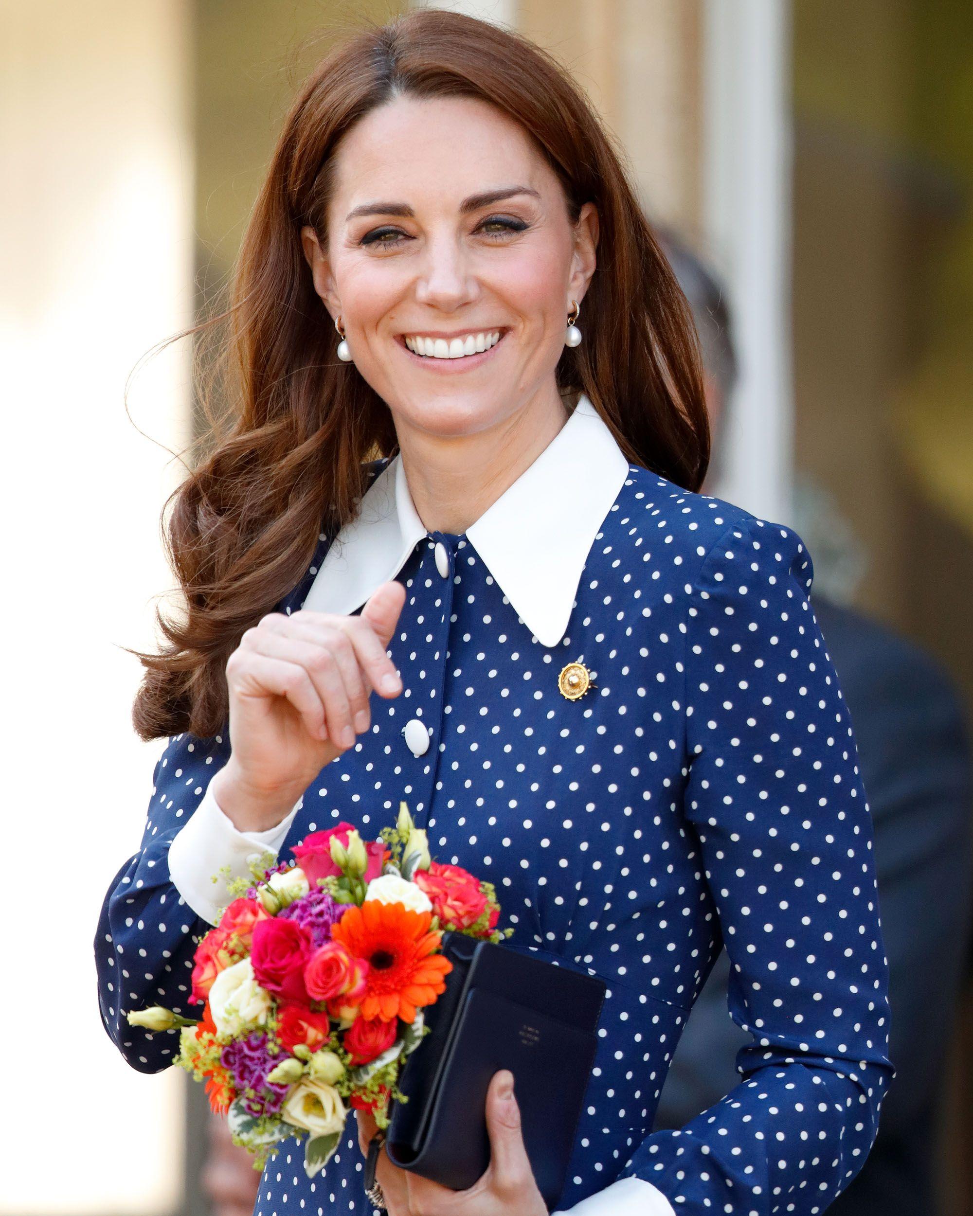 The Duchess of Cambridge starts book treasure hunt in London