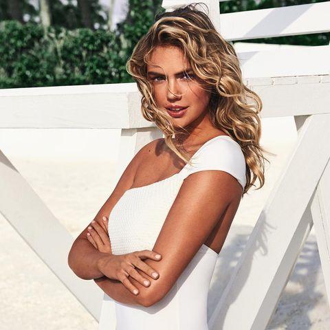 La modelo anuncia que está esperando su primer hijo con Justin Verlander