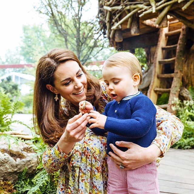 Kate Middleton Wears Floral Dress By High Street Brand & Other Stories