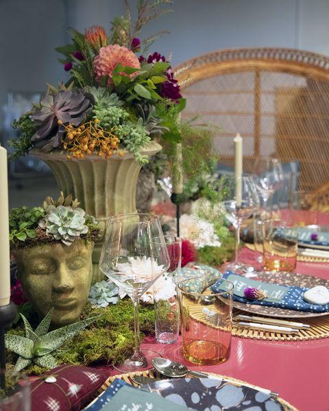 Centrepiece, Flower Arranging, Floristry, Floral design, Flower, Cut flowers, Plant, Tableware, Table, Bouquet,