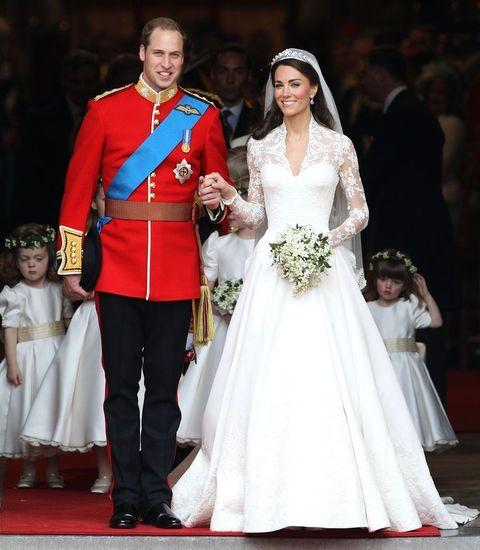 結婚式 ウエディングドレス ネックレスなし