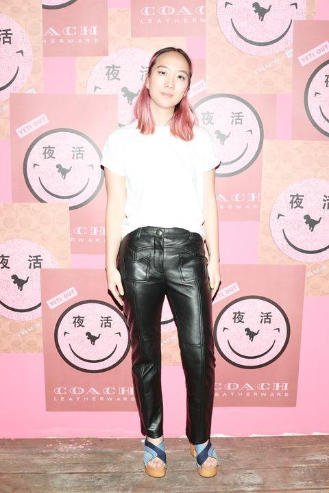 Pink, Clothing, Jeans, Leg, Shoulder, Waist, Fashion, Footwear, Joint, Leggings,