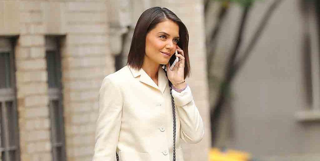 MODA: Le robamos el modelito de lujo a Katie Holmes ¡por uno igual 'low cost'!