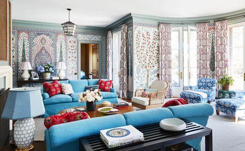 katie-ridder-hamptons-living-room-veranda