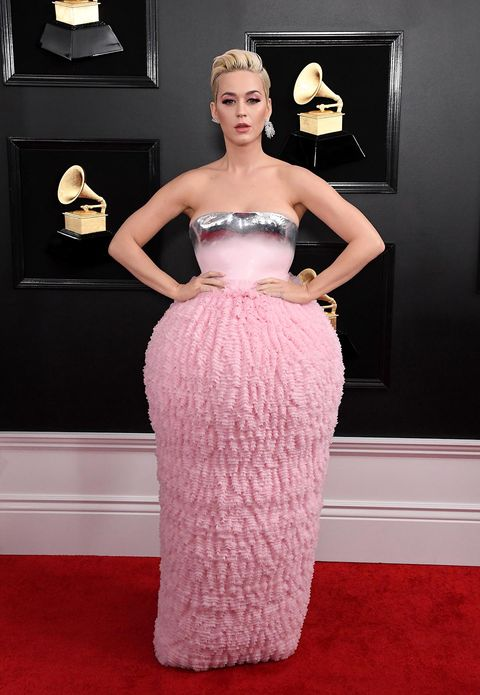Red carpet, Dress, Carpet, Hair, Clothing, Gown, Fashion model, Flooring, Shoulder, Strapless dress,