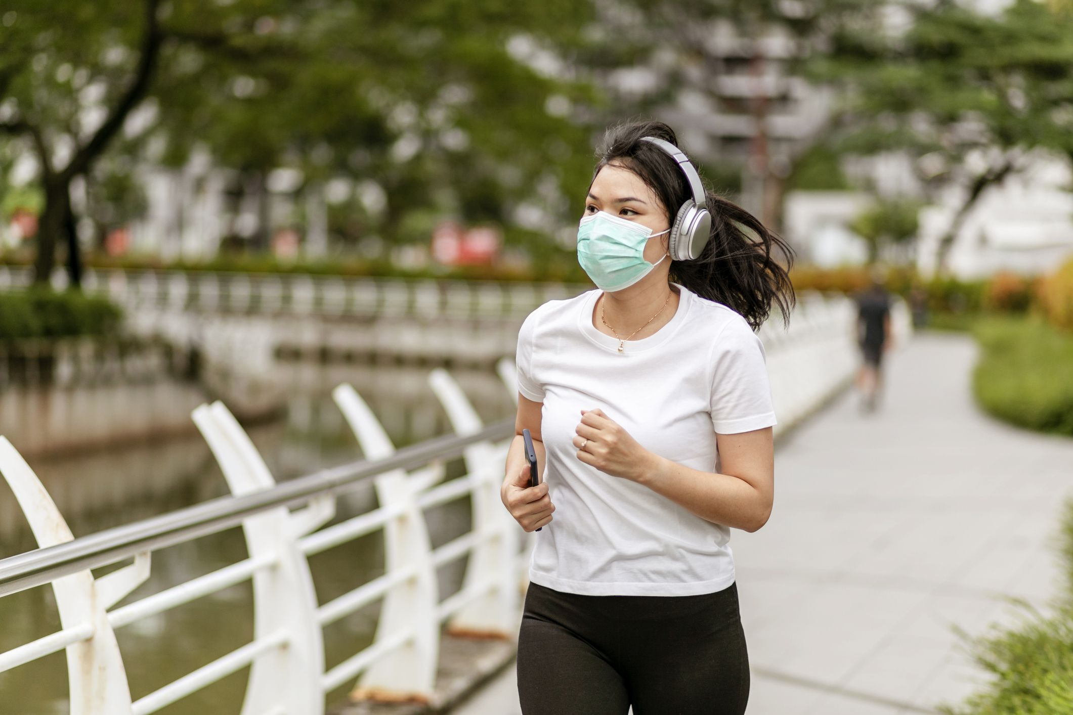 Should I Wear a Mask While Running?