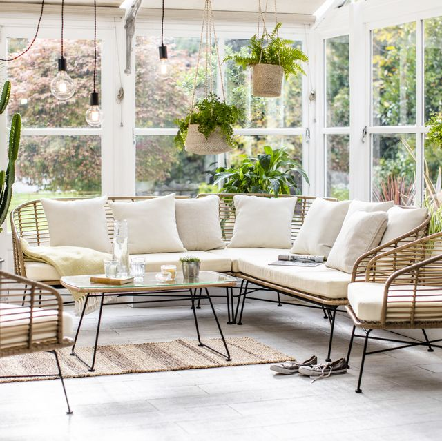 chairs and table from garden trading