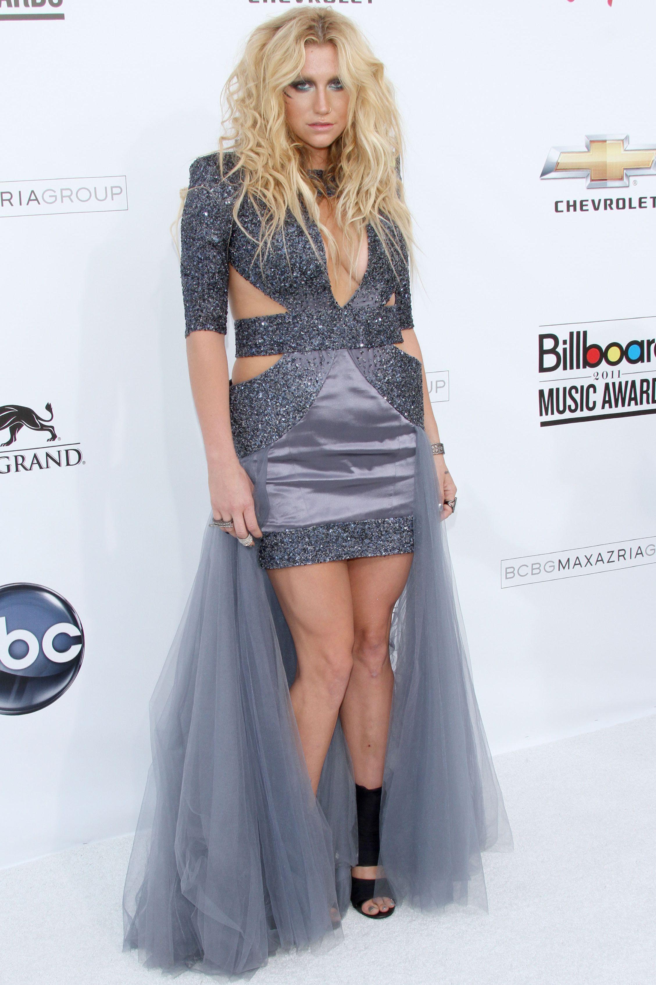 Kesha, 2011