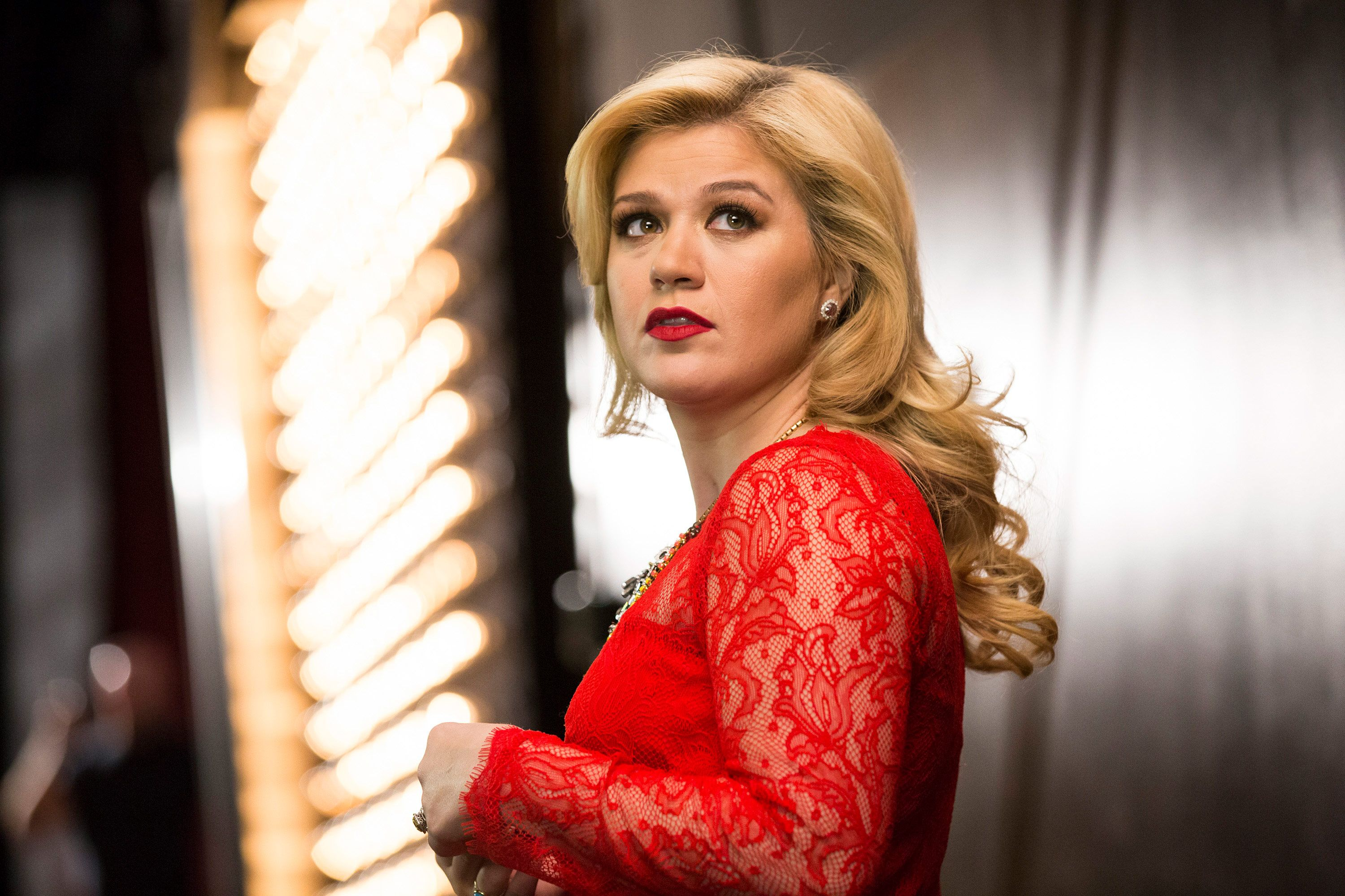 20 of the Absolute Best Kelly Clarkson Songs